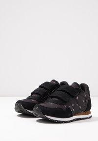 Woden - NOA ARROW - Sneaker low - black - 3