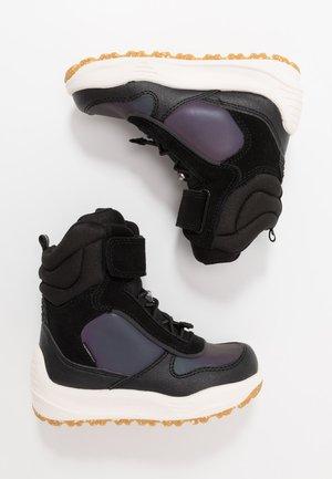 ALEX MIDCUT - Zimní obuv - black
