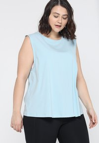 Wolf & Whistle - KNOT FRONT VEST CURVE - Top - sky - 0