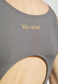 Wolf & Whistle - PERFORMANCE  - Top - grey - 4