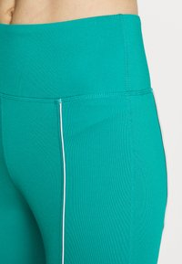 Wolf & Whistle - EXCLUSIVE CROPPED LEGGINGS WITH REFLECTIVE STRIPS - Punčochy - teal - 4