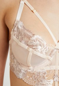 Wolf & Whistle - GRACE EMBROIDERED UNDERWIRED BRA - Bøyle-BH - cream - 5