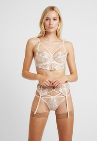 Wolf & Whistle - GRACE EMBROIDERED UNDERWIRED BRA - Bøyle-BH - cream - 1