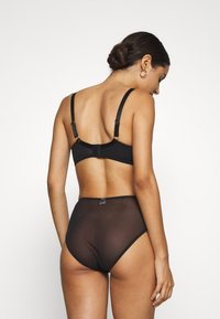 Wolf & Whistle - STRAPPY BRA - Soutien-gorge push-up - black - 2
