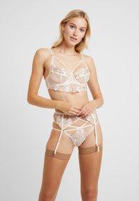 Wolf & Whistle - GRACE BLUSH EMBROIDERED BRIEF - Underbukse - cream - 1