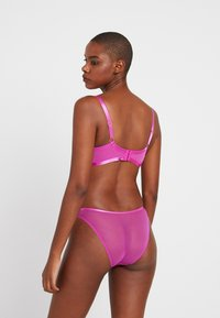 Wolf & Whistle - CUT OUT BRAZILLIAN BRIEF - Slip - pink - 2