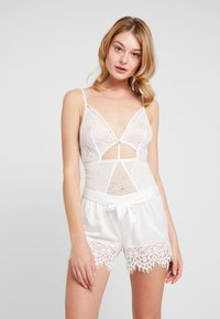 Wolf & Whistle - EYELASH CUT OUT STRAPPY HIGH LEG PLUNGE - Body - ivory - 1