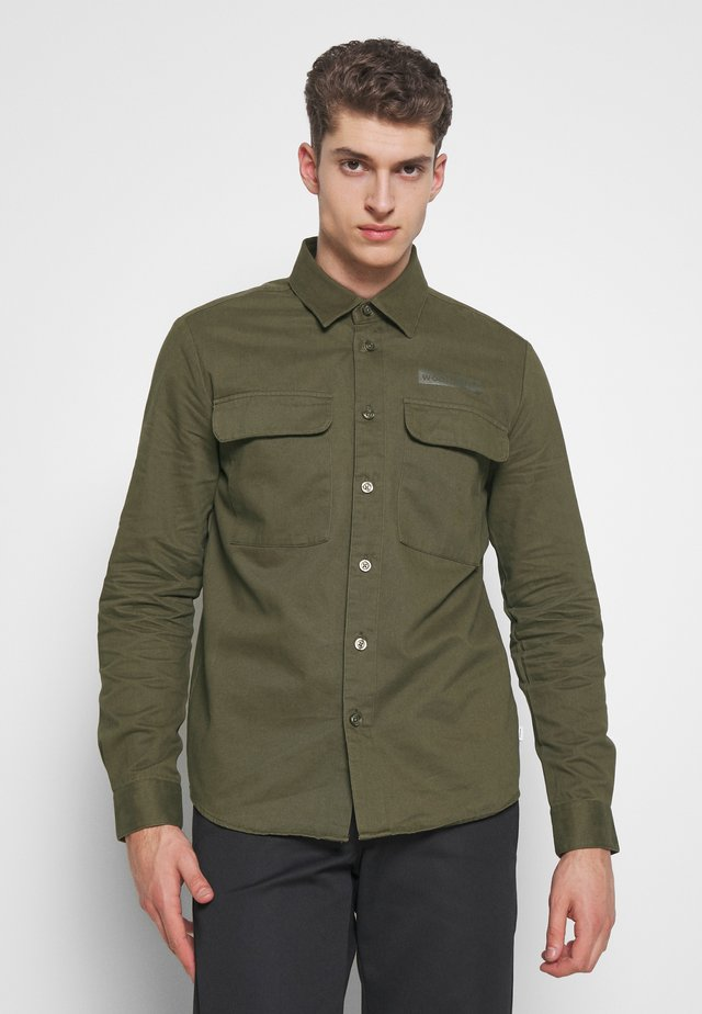 HOXEN WORK - Shirt - grass green