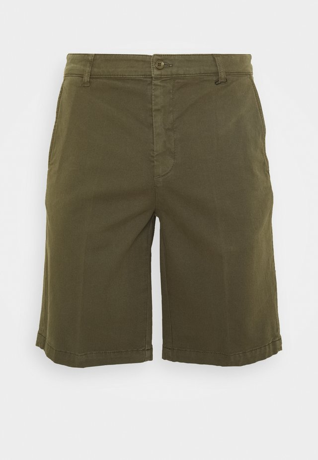 TIEN BUZZ  - Shorts - green
