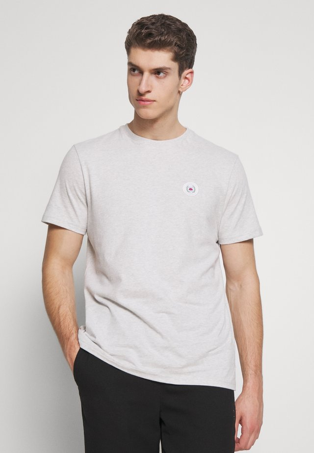 OUR JARVIS PATCH TEE - T-shirt con stampa - snow melange