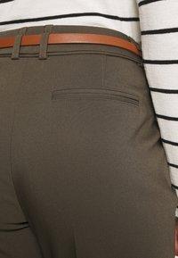 Wallis Petite - DOUBLE FACED BELTED CIGARETTE - Trousers - khaki - 5