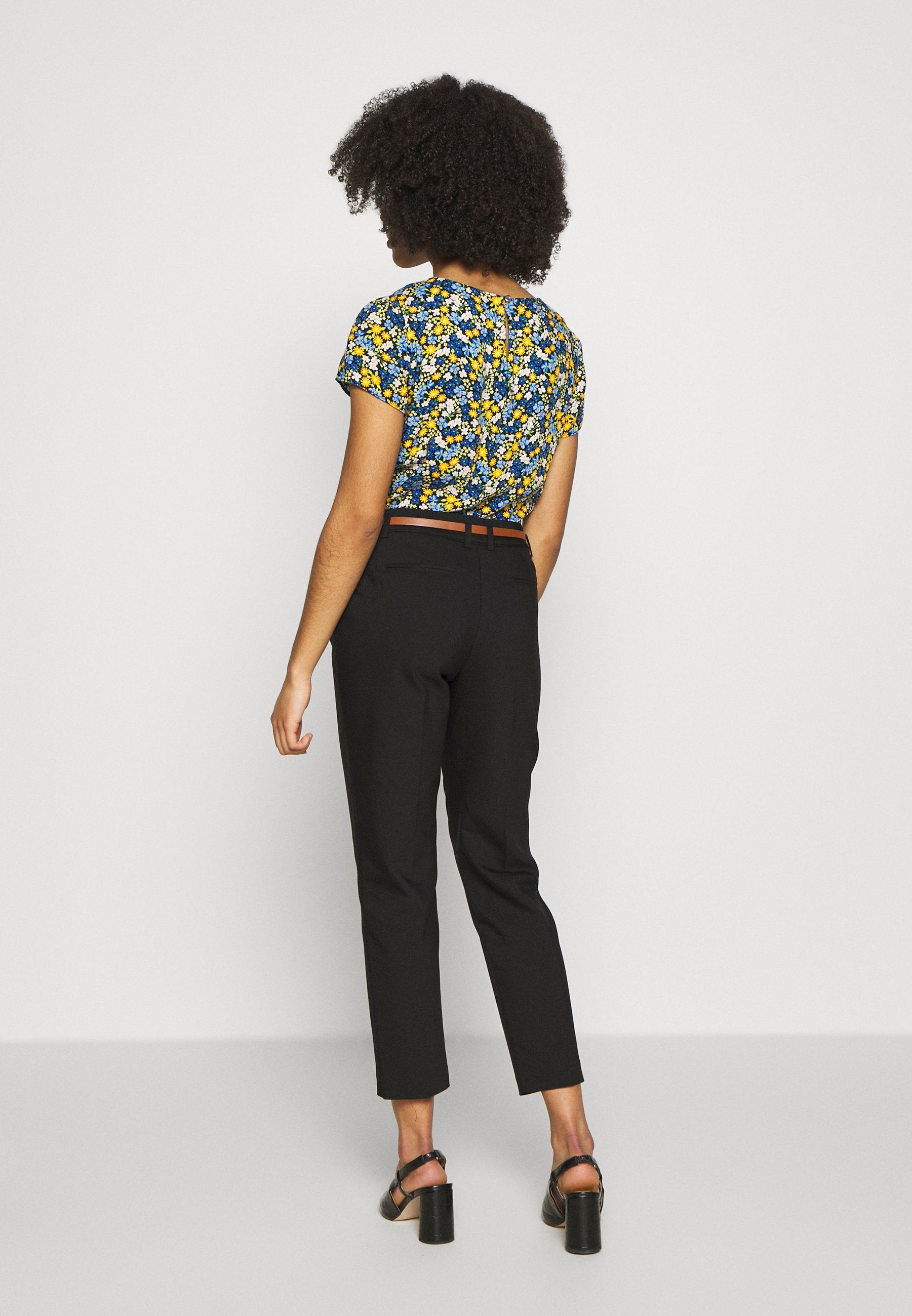 Wallis Petite DOUBLE FACED BELTED CIGARETTE - Spodnie materiałowe - black