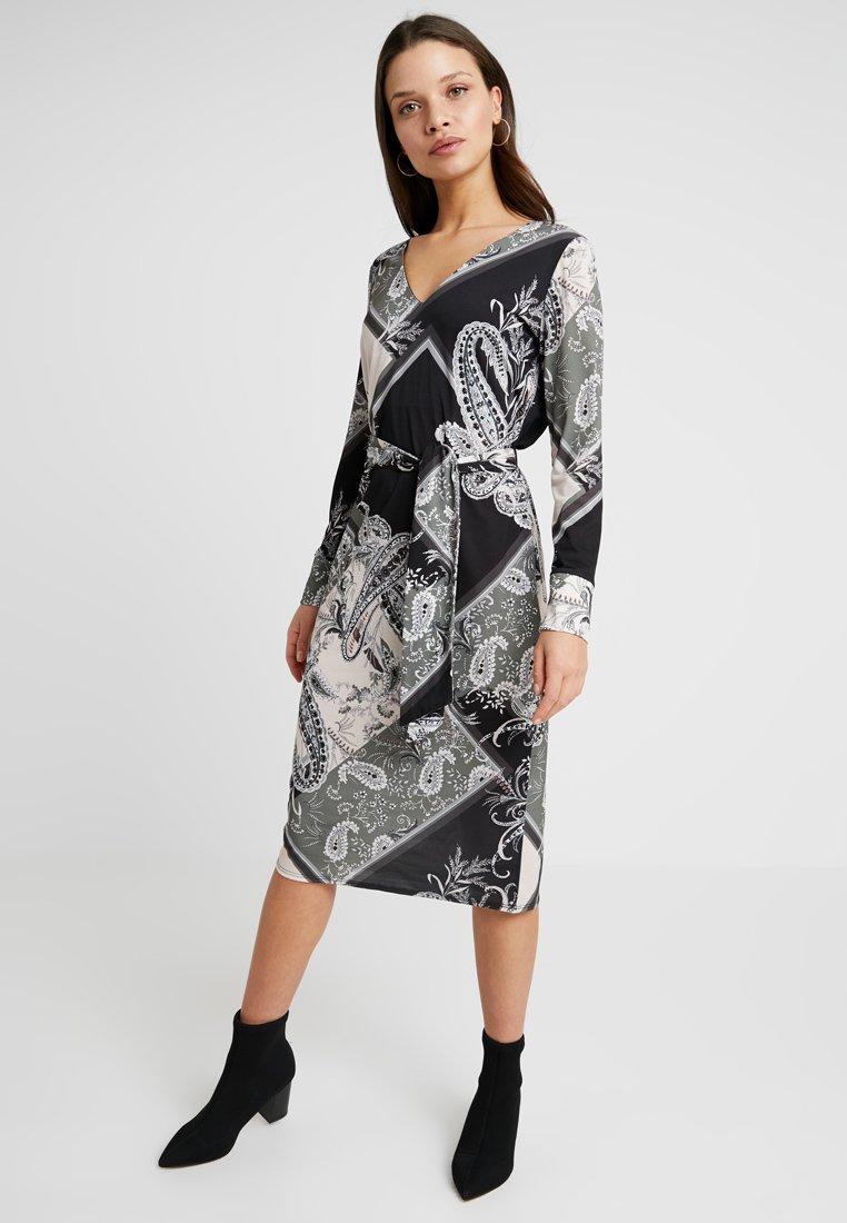 Wallis Petite - PATCHWORK PAISLEY TIE DRESS - Jerseykleid - khaki