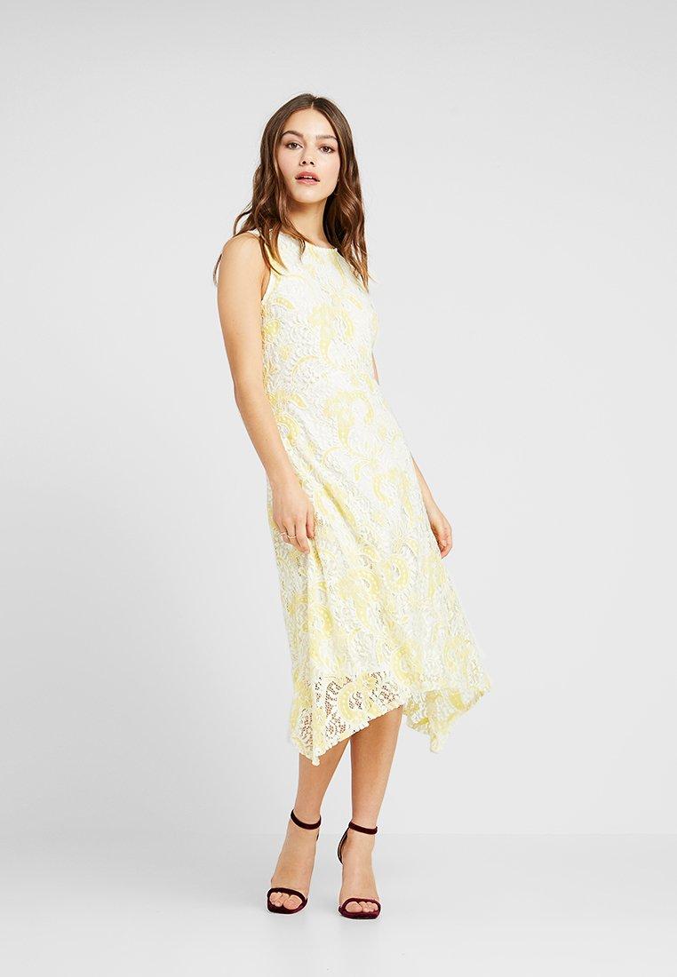 Wallis Petite - DRESS - Freizeitkleid - yellow