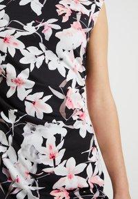 Wallis Petite - ORCHID RUCHE SIDE DRESS - Robe fourreau - black - 5