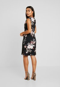 Wallis Petite - EVENT BIRD RUCHE SIDE DRESS BLACK - Sukienka z dżerseju - black - 3