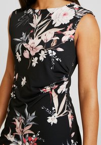 Wallis Petite - EVENT BIRD RUCHE SIDE DRESS BLACK - Sukienka z dżerseju - black - 5
