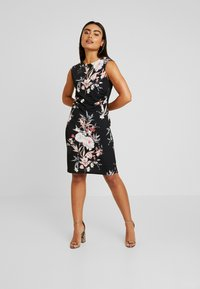 Wallis Petite - EVENT BIRD RUCHE SIDE DRESS BLACK - Sukienka z dżerseju - black - 2