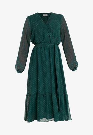 DOBBY TIERED MIDI DRESS - Korte jurk - forest green