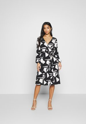 STONE GEO WRAP DRESS - Jerseykjole - black