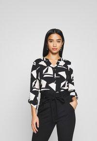 Wallis Petite - GEO ITY - T-shirt à manches longues - black - 0