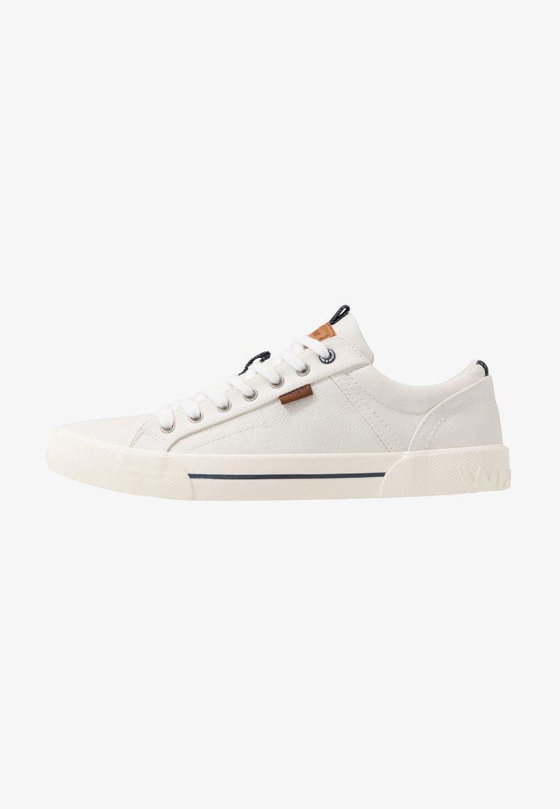 Wrangler - GLOBE VEGAN - Sneakersy niskie - white