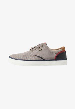 MONUMENT - Sneakersy niskie - grey