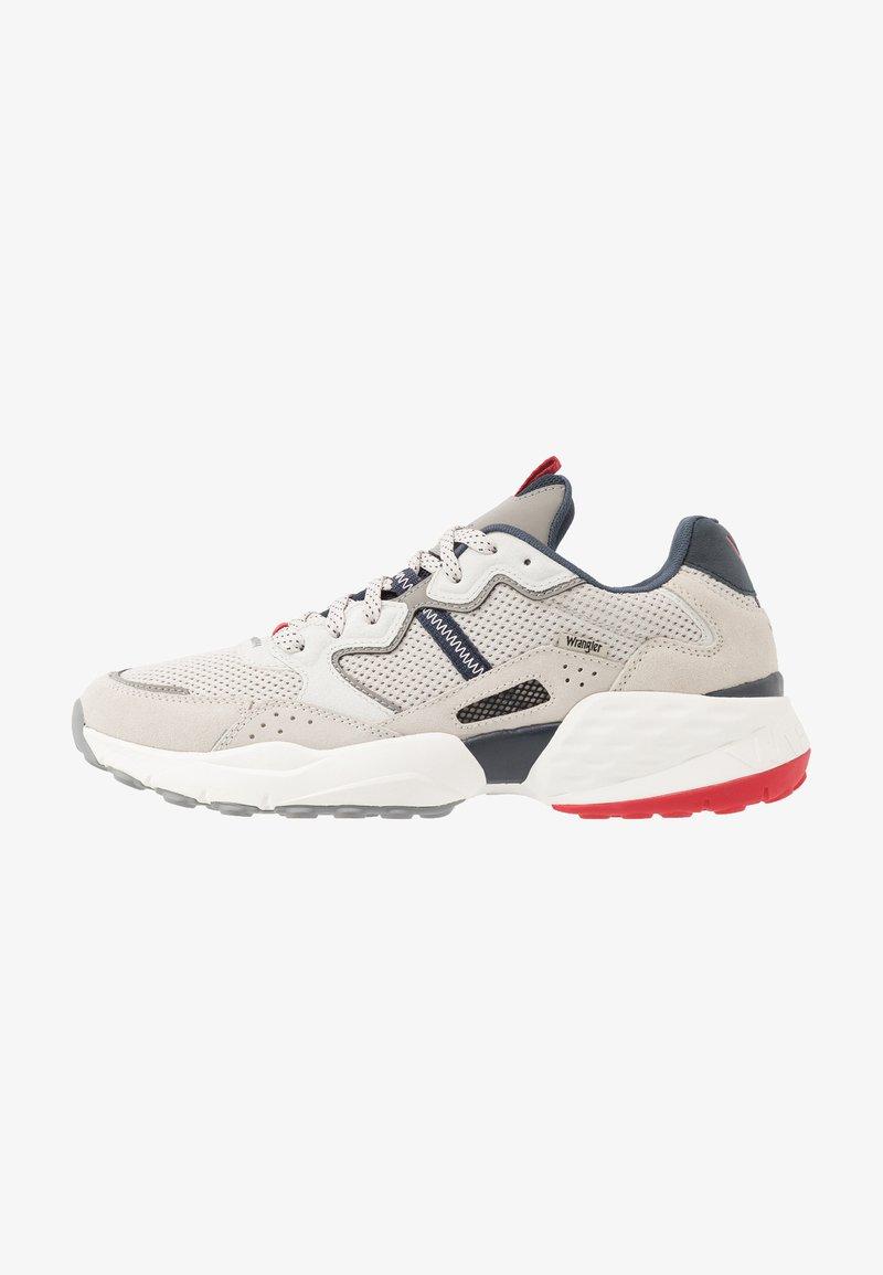 Wrangler - ICONIC 90  - Sneakersy niskie - white/navy/red