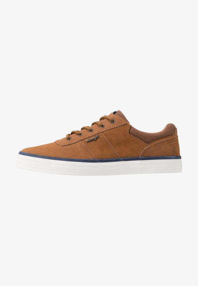 MONUMENT SPORT  - Sneaker low - cognac