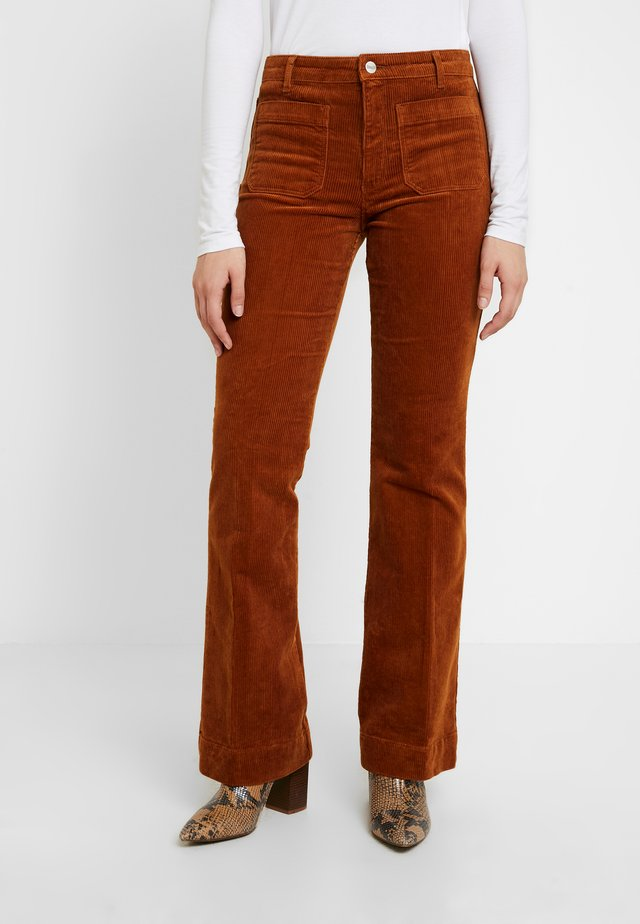 FLARE - Spodnie materiałowe - tobacco brown