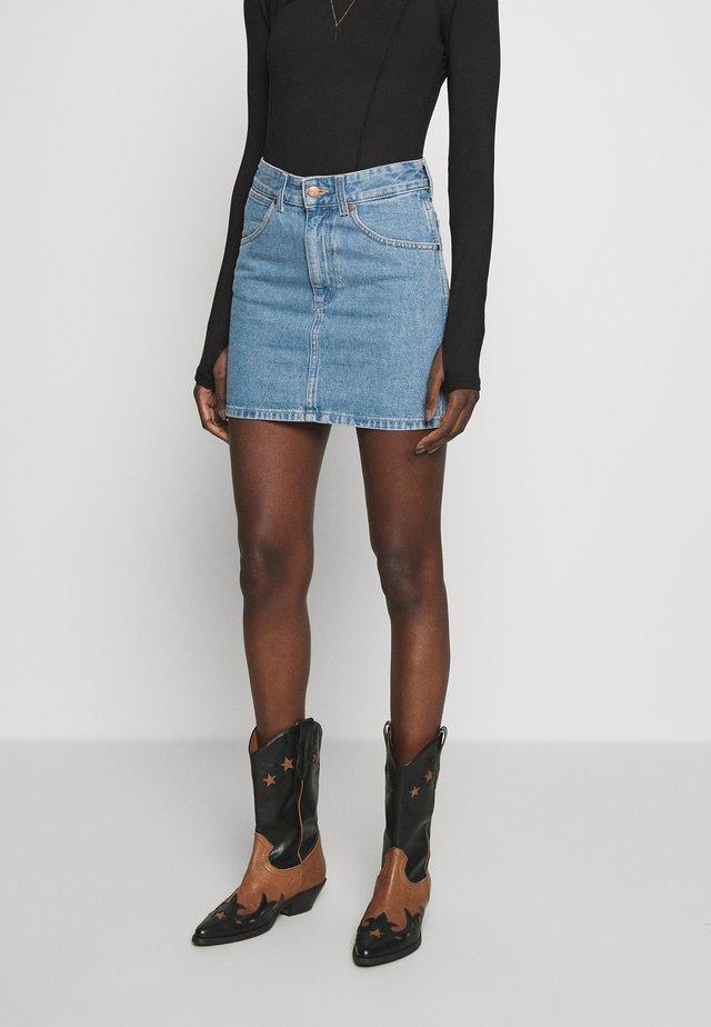 SUMMER SKIRT - Spódnica jeansowa - loved