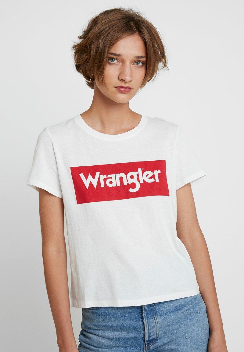 Wrangler - LOGO TEE - Print T-shirt - off white