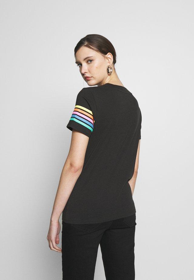 REGULAR TEE - T-Shirt print - faded black
