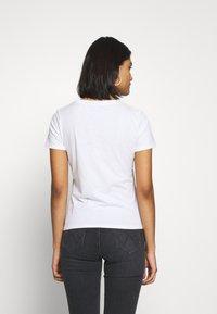 Wrangler - SIGN OFF TEE - T-shirt basic - white - 2