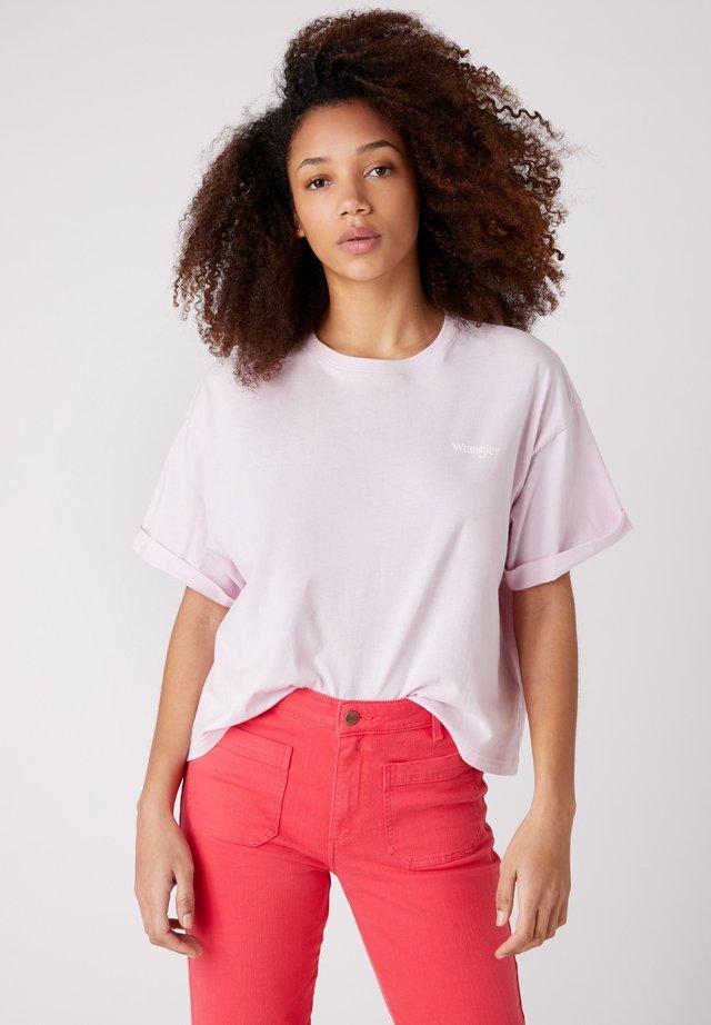 SUMMER TEE - T-shirt z nadrukiem - lilac ice