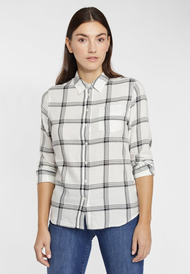 REGULAR 1PKT SHIRT - Button-down blouse - off-white