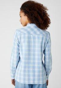Wrangler - WESTERN - Button-down blouse - light indigo - 2