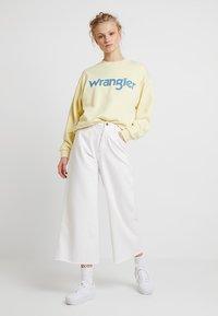 Wrangler - 80´S RETRO - Sweatshirt - french vanilla - 1