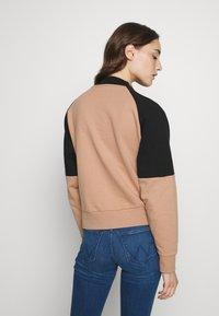 Wrangler - RETRO - Sweatshirt - pyramid sand - 2