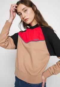 Wrangler - RETRO - Sweatshirt - pyramid sand - 4
