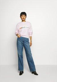 Wrangler - HIGH RETRO - Sweatshirt - lilac ice - 1