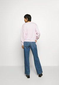 Wrangler - HIGH RETRO - Sweatshirt - lilac ice - 2