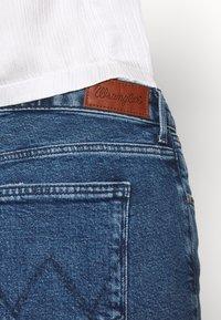 Wrangler - SLIM - Slim fit jeans - blue denim - 5