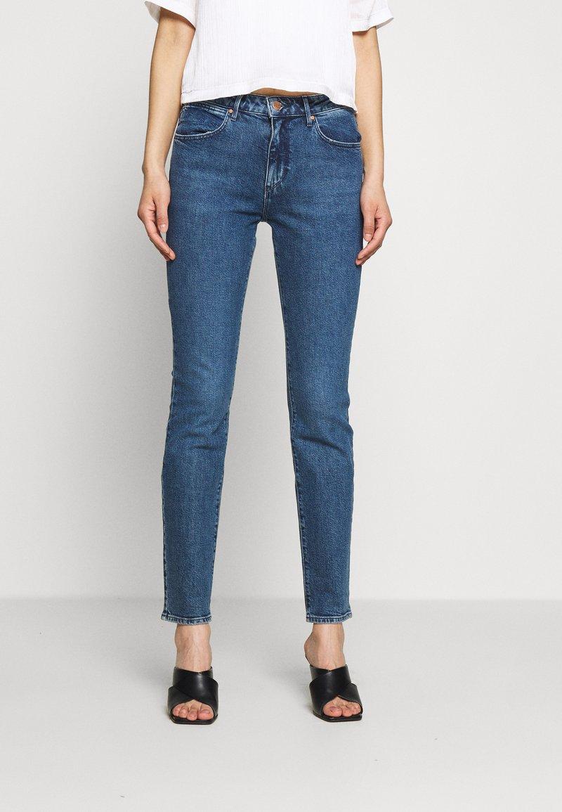 Wrangler - SLIM - Slim fit jeans - blue denim