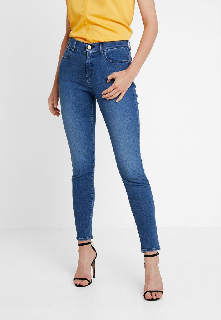 Wrangler - HIGH RISE  BODY BESPOKE - Jeans Skinny Fit - dark blue denim