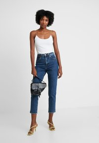 Wrangler - MOM - Relaxed fit jeans - noise - 1