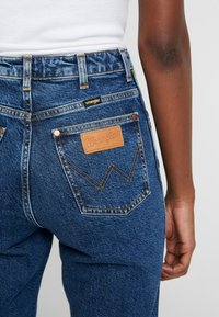 Wrangler - MOM - Relaxed fit jeans - noise - 5