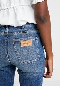 Wrangler - RETRO - Straight leg jeans - dark blue noise - 5