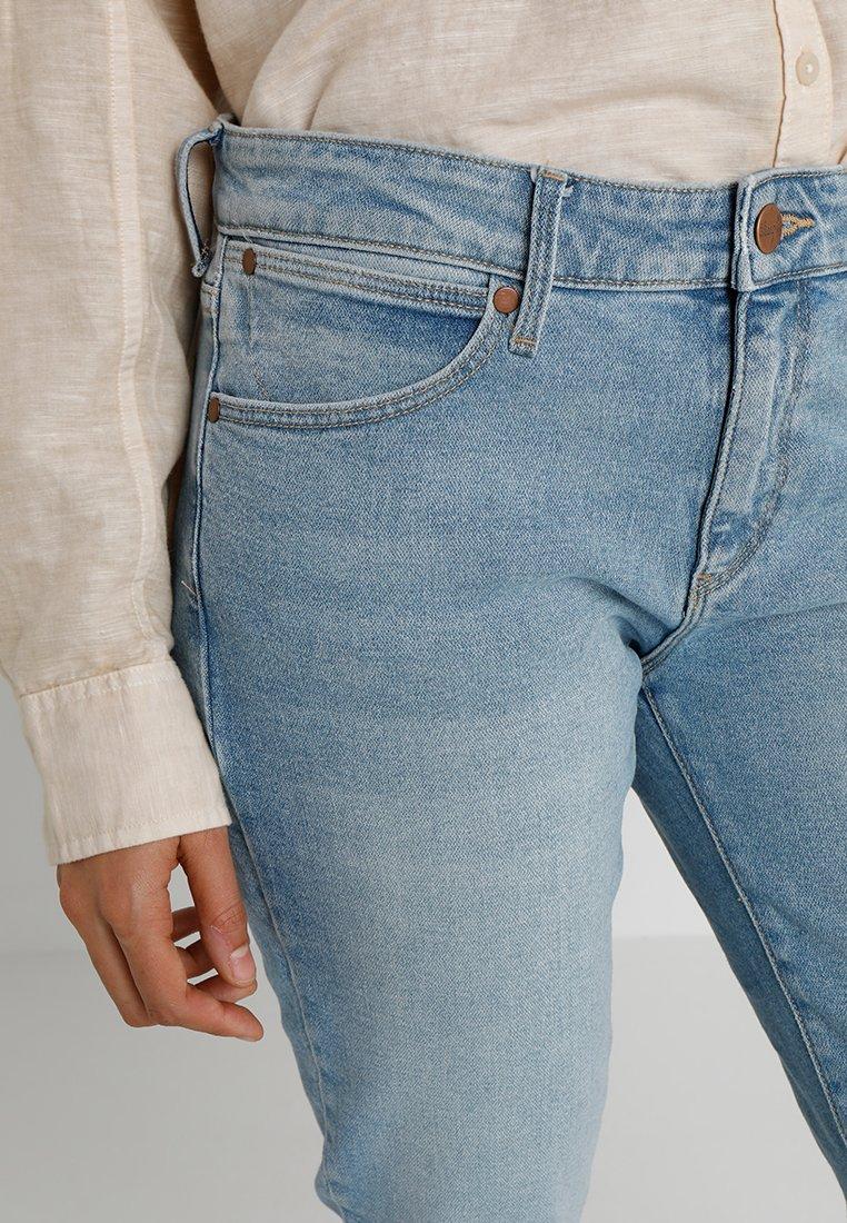 Wrangler Jeansy Straight Leg - light blue