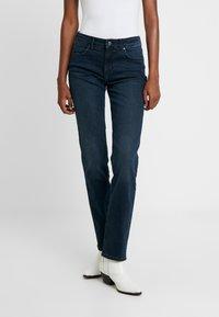 Wrangler - BODY BESPOKE - Jeans Straight Leg - blue skies - 0